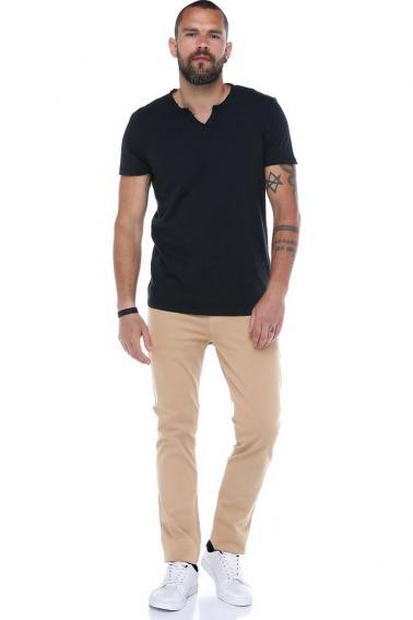 Erkek Siyah V Yaka Modern Kesim Kısa Kollu T-Shirt F036